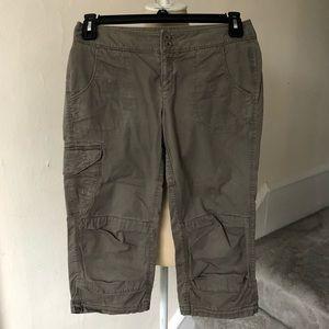 The North Face Women's Hiking Cargo Capri Pants